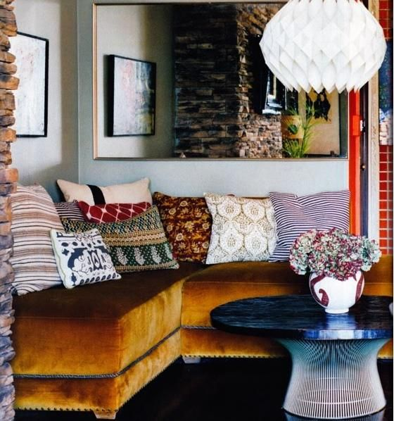 23 Amazing Ways To Style Your Console Table With Fall Decor: 4 Easy Sofa-Cushion Combinations